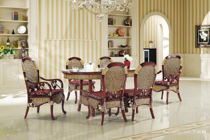 两居室欧式客厅吊顶实木餐桌装修效果图