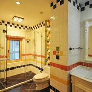 地中海风格卫生间拼色墙砖装饰