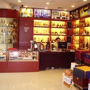 中式简约烟酒店原木储物柜装饰