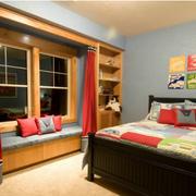 美式简约儿童房原木飘窗装饰