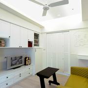 两室一厅简约风格客厅整体电视柜设计