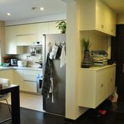 韩式清新风格U型厨房装饰