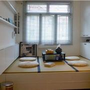 现代卧室榻榻米装饰