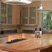 日式简约原木厨房橱柜装饰