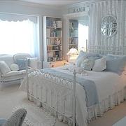 欧式风格白色卧室装饰