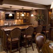 开放式厨房酒柜吧台