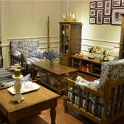 美式浅色餐厅照片墙装饰