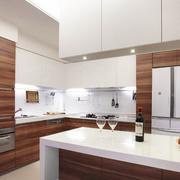 现代简约风格别墅厨房吧台装饰