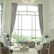 欧式浅色系大型飘窗窗帘装饰