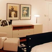 温馨舒适的卧室隐形门