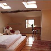 阁楼温馨卧室图片