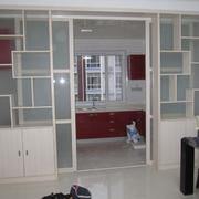 现代风格厨房玻璃门装饰