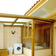日式简约风格阳台原木挡板装饰