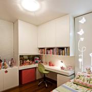 现代简约风格儿童房置物柜装饰