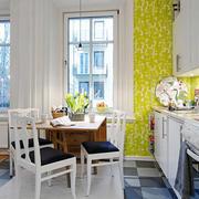 小户型公寓简约折叠餐桌