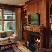 中式木质客厅电视墙