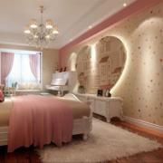 卧室心形照片墙