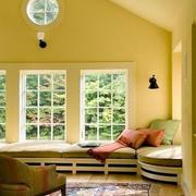 暖色调飘窗装修欣赏