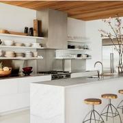 纯洁干净的厨房