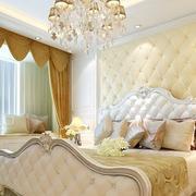 浅色调卧室背景墙