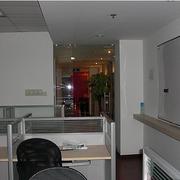 大型办公室装修设计