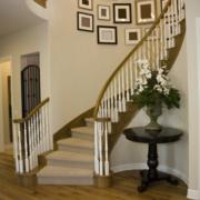 大户型复式楼楼梯照片墙