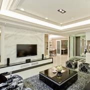 客厅白色瓷砖背景墙