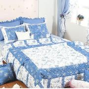 蓝白色调飘窗装修欣赏