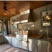 古典雅致的厨房橱柜