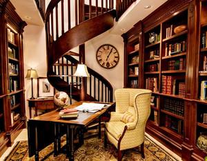 美式书房旋转楼梯