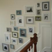 简欧复式楼楼梯照片墙
