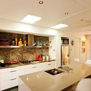唯美型厨房橱柜设计
