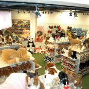 时尚的玩具店欣赏