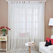 轻柔淡雅的客厅窗帘