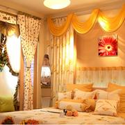 温馨黄色窗帘图片