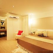 温馨暖色的卧室展示