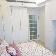 美式田园卧室白色衣柜