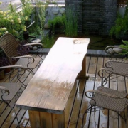 复式楼阳台实用餐桌椅