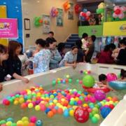 小型游泳池效果图