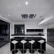 黑白色的家居厨房