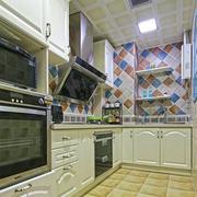 原木色厨房家柜设计