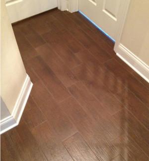 家庭木地板踢脚线装修效果图