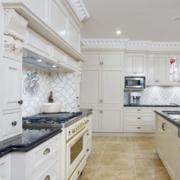 厨房白色简欧橱柜