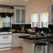 深色餐厅厨房一体结构图