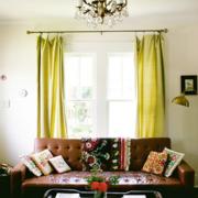 淡色调客厅窗帘设计