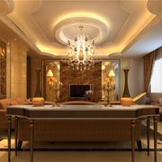 暖色调的别墅客厅