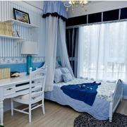 卧室蓝色条纹壁纸
