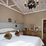 白色前卫的卧室