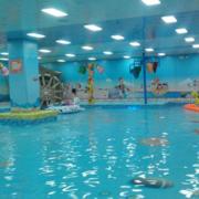 田园风格游泳池效果图