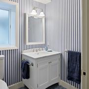 后现代风格卫生间条纹背景墙装饰